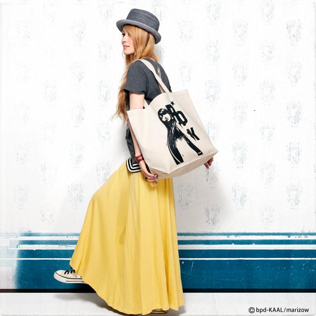 KAAL アート作品 Venus Rock ヴィーナス・ロック 大きめキャンバス トートバッグ モデル写真
